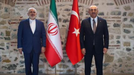 Irán y Turquía estrechan nexos ante momentos convulsos en la región