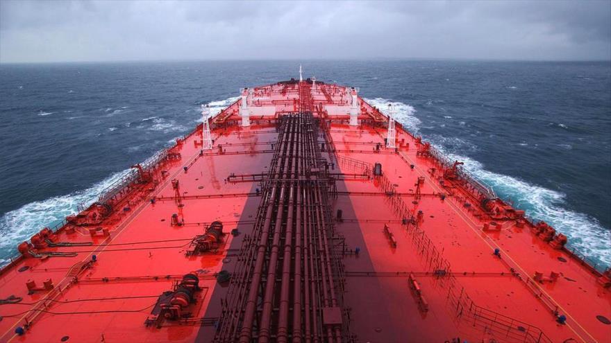 El buque cisterna yemení Safer en el mar Rojo.