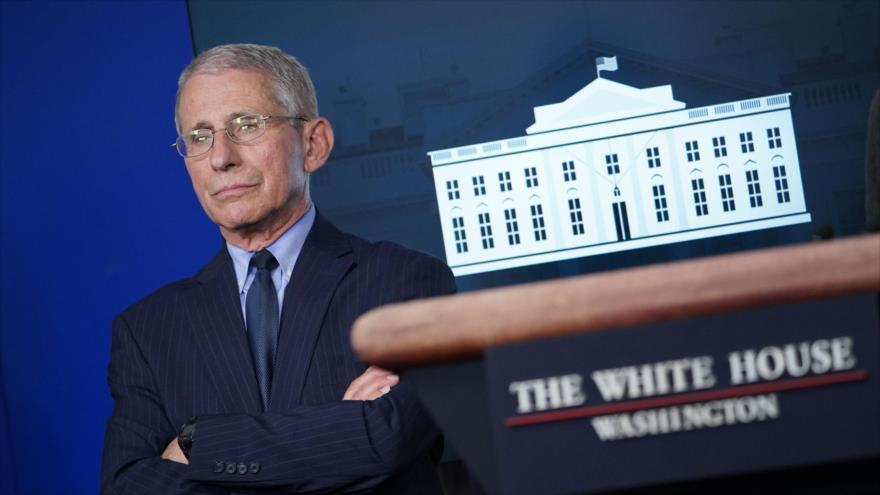 El principal experto de EE.UU. en enfermedades infecciosas, Anthony Fauci, en la sesión informativa sobre la COVID-19 en la Casa Blanca, Washington, 1 de abril de 2020.