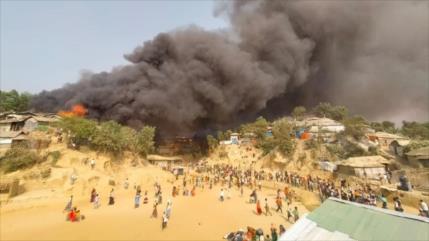 Día triste para los Rohingya: Incendio deja 15 muertos en un campo