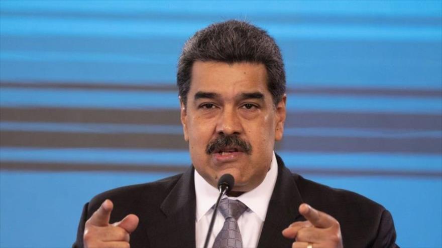 """Maduro dice NO a AstraZeneca y toda vacuna que """"cause estragos"""""""