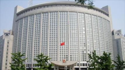 China sanciona a 13 individuos y entidades del Reino Unido