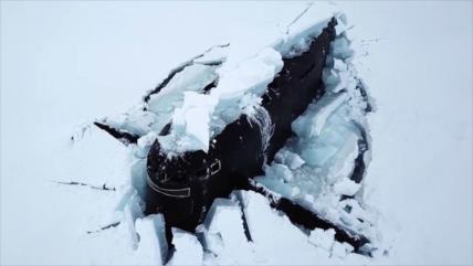 Vídeo: 3 submarinos nucleares rusos emergen de hielo en Ártico