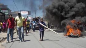 Vídeo: Estallan fuertes enfrentamientos durante protestas en Haití