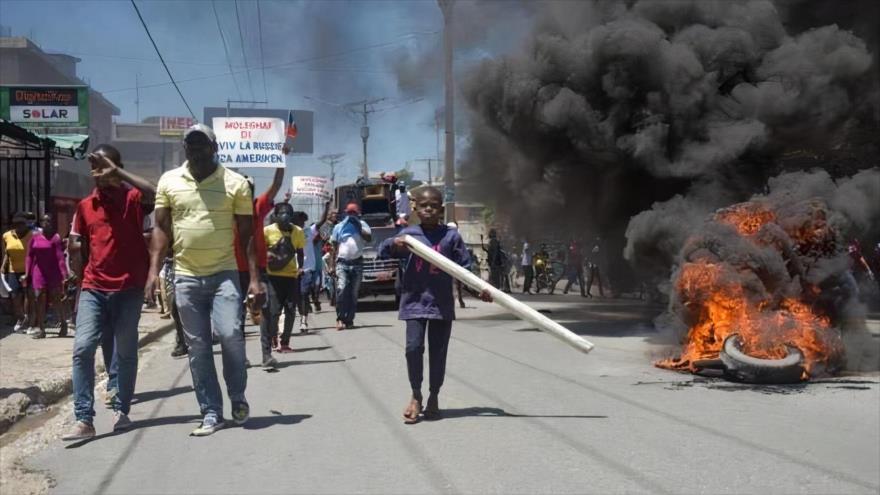 Vídeo: Estallan fuertes enfrentamientos durante protestas en Haití | HISPANTV