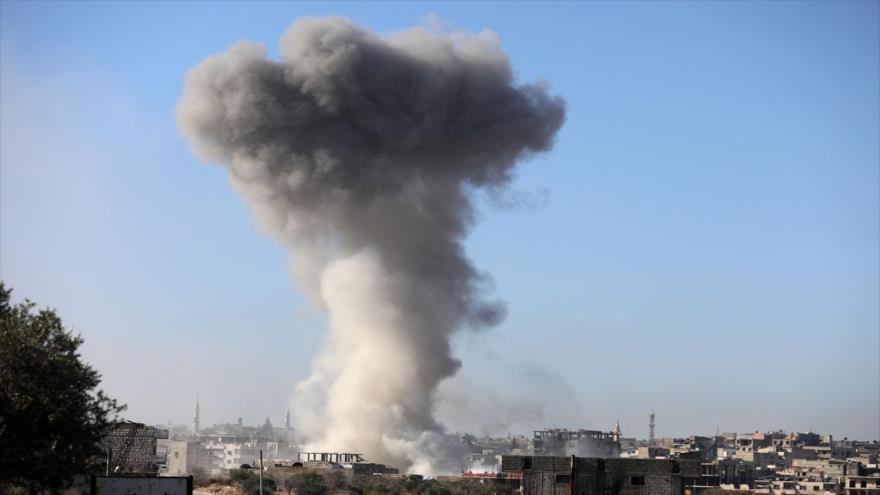 Vídeo: Rusia bombardea un cuartel general de terroristas en Idlib | HISPANTV