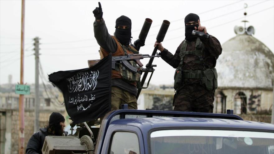 Integrantes del grupo terrorista Frente Al-Nusra, en Idlib, Siria. (Foto: Reuters)