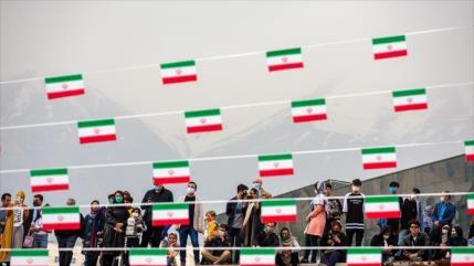 Irán conmemora 42.º aniversario del Día de la República Islámica