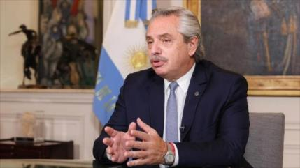 "Alberto Fernández se recupera de COVID-19 ""gracias a Sputnik V"""