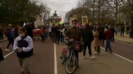 Marchan en Londres contra ley que otorga más poderes a la policía