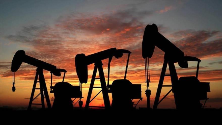Bombas de petróleo industriales.