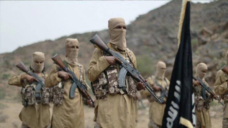 Integrantes del grupo terrorista Daesh en la provincia de Bayda, Yemen.
