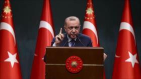Erdogan acusa a almirantes retirados de impulsar un golpe político