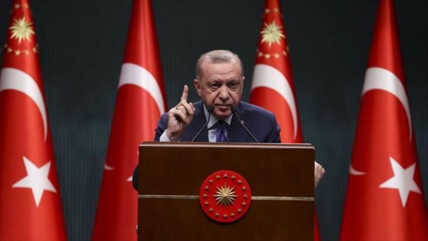 El presidente turco, Recep Tayyip Erdogan, habla durante un acto en Ankara, la capital. 10 de marzo de 2021. (Foto: AFP)