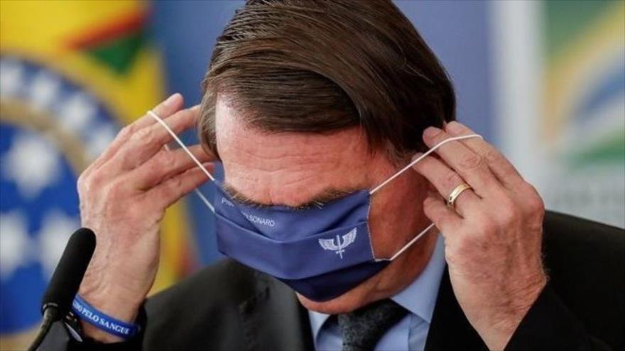 El presidente brasileño, Jair Bolsonaro, en una ceremonia para el programa agua brasileña, en Brasilia (capital), marzo de 2021. (Foto: Reuters)