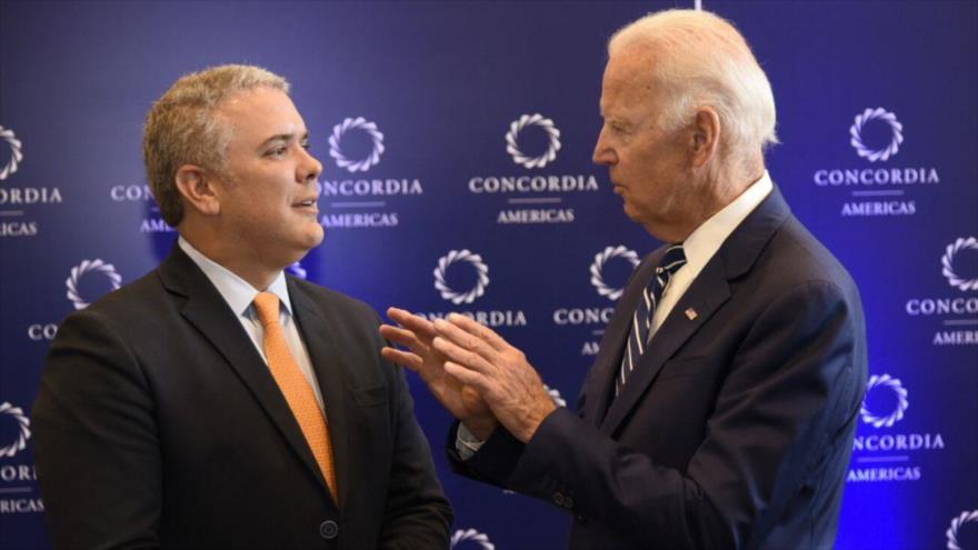 El presidente de Estados Unidos, Joe Biden (dcha.) y su homólogo colombiano, Iván Duque.