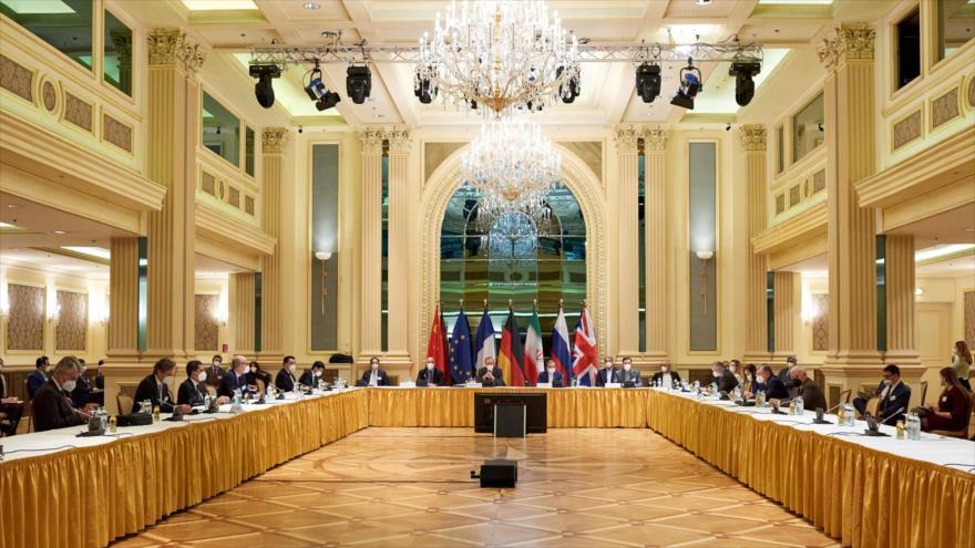 Reunión de la Comisión Conjunta del acuerdo nuclear, en Viena (capital de Austria), 6 de abril de 2021.