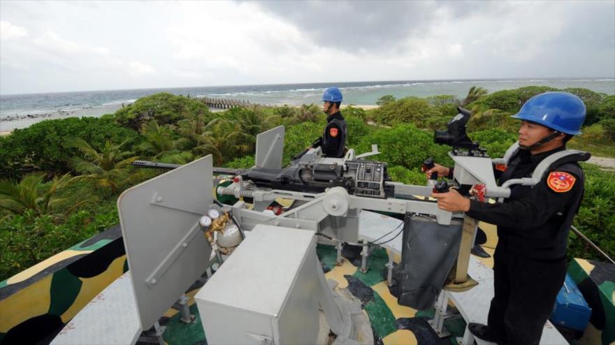 Guardia Costera de Taiwán vigila la isla Taiping en el Mar de China Meridional. (Foto: CNA)