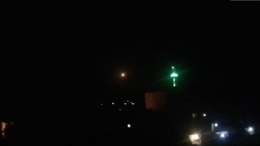 Vídeo: Defensa aérea siria responde a otra agresión israelí