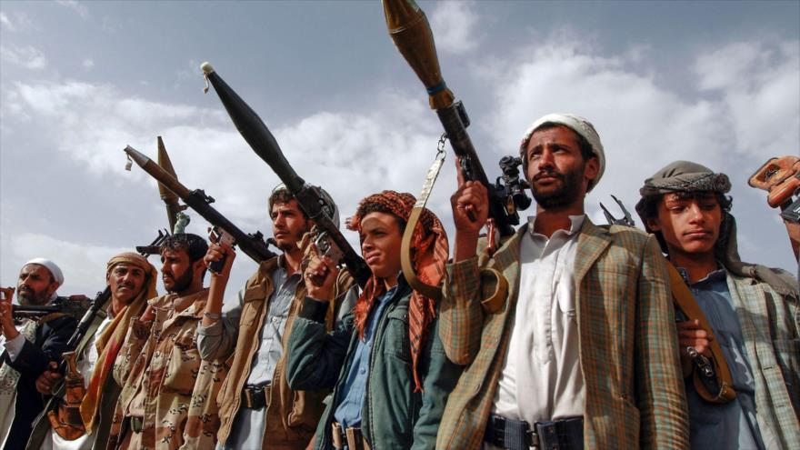Combatientes del movimiento popular Ansarolá de Yemen. (Foto: AFP)