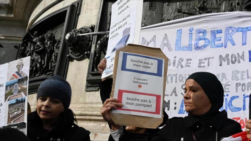 Manifestación en contra de la prohibición del velo islámico en París, 19 de octubre de 2019. (Foto: AFP)