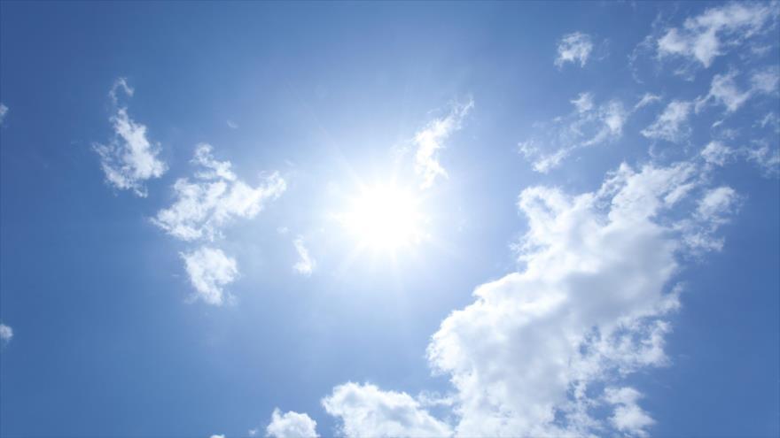 Estudio: Tomar el sol reduciría riesgo de muerte por COVID-19 | HISPANTV