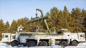 Vídeo muestra: Rusia envía misiles Iskander a frontera con Ucrania