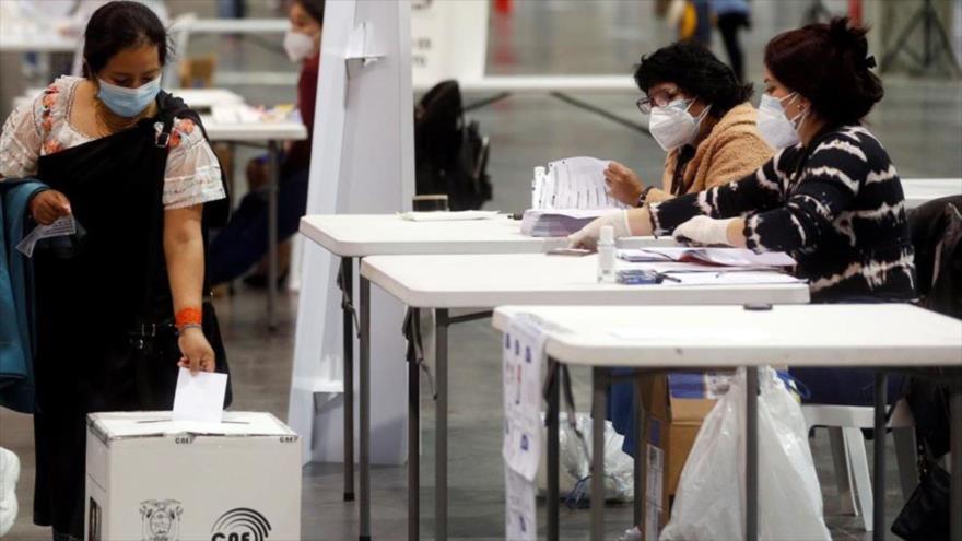 Abren colegios electorales para comicios generales en Perú | HISPANTV