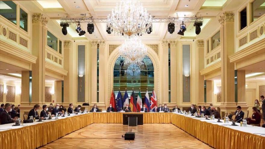 Irán reitera que solo acepta levantamiento 'definitivo' de sanciones | HISPANTV