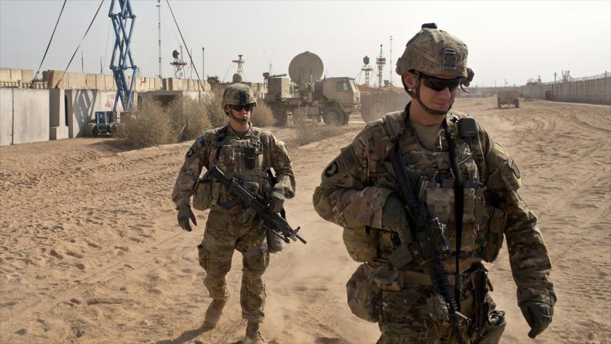 Soldados del Ejército estadounidense en la base militar de Al-Qayara, situada a unos 50 kilómetros al sur de Mosul (Irak), 9 de noviembre de 2016. (Foto: AP)