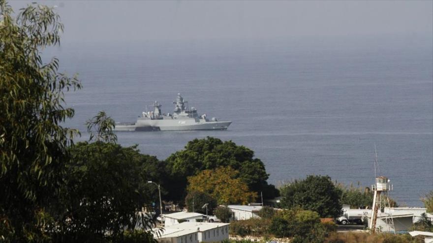Un buque israelí en el sur de la frontera libanesa, cerca de la ciudad de Naqura, 28 de octubre de 2020. (Foto: AFP)