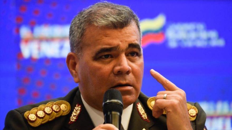 El ministro venezolano de Defensa, Vladimir Padrino López, habla en una rueda de prensa en Caracas, capital, 11 de enero de 2021. (Foto: AFP)