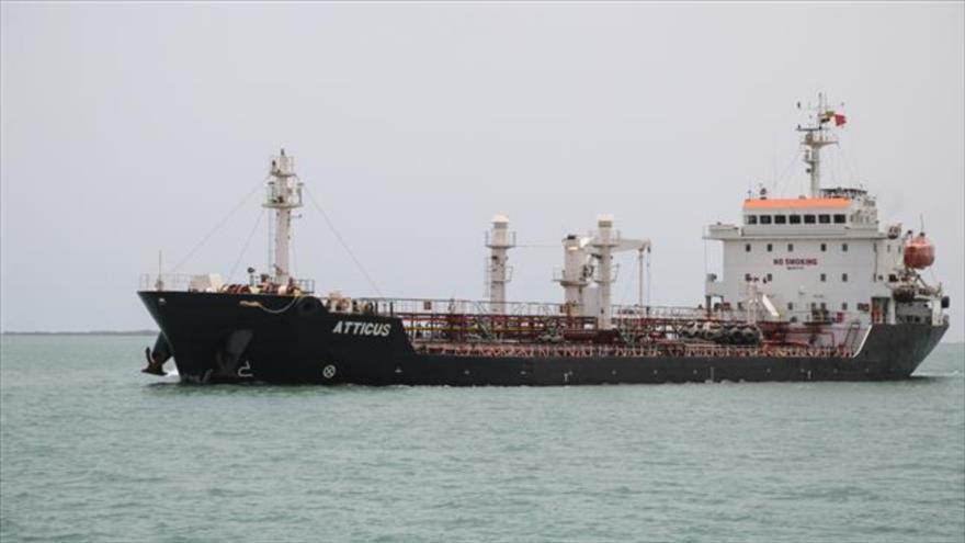 Un petrolero anclado en el puerto de Salif, en la provincia yemení de Al-Hudayda, en el mar Rojo, 13 de mayo de 2019. (Foto: AFP)