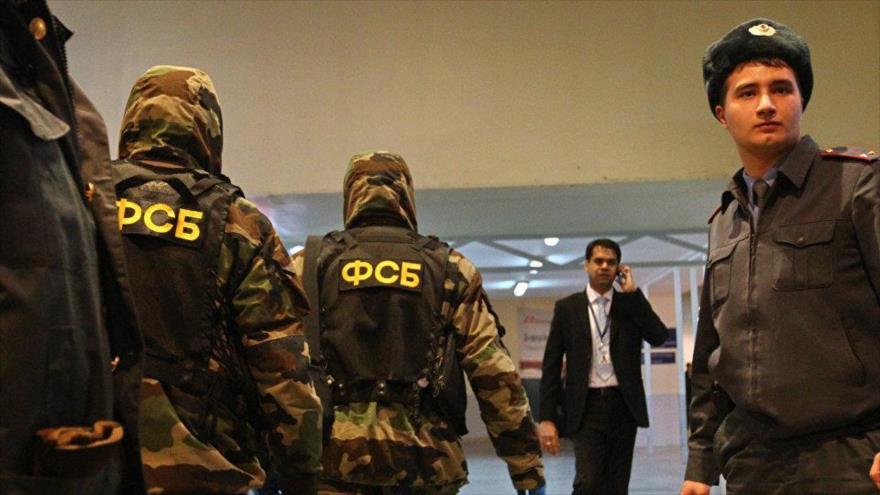 Los agentes del Servicio Federal de Seguridad (FSB, por sus siglas en ruso) de Rusia.