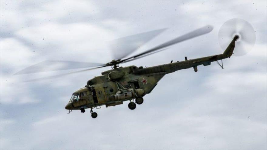 Un helicóptero militar de la fuerza aérea rusa.
