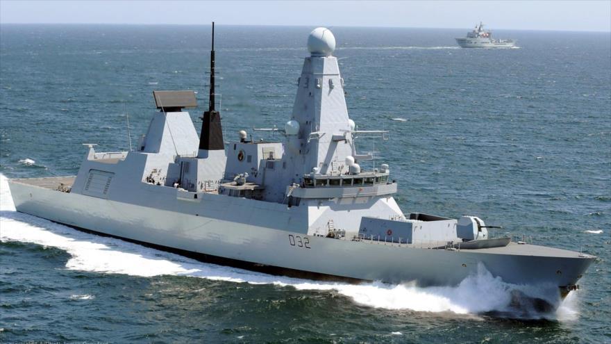 Un destructor tipo 45, o clase Daring de la Real Armada británica.