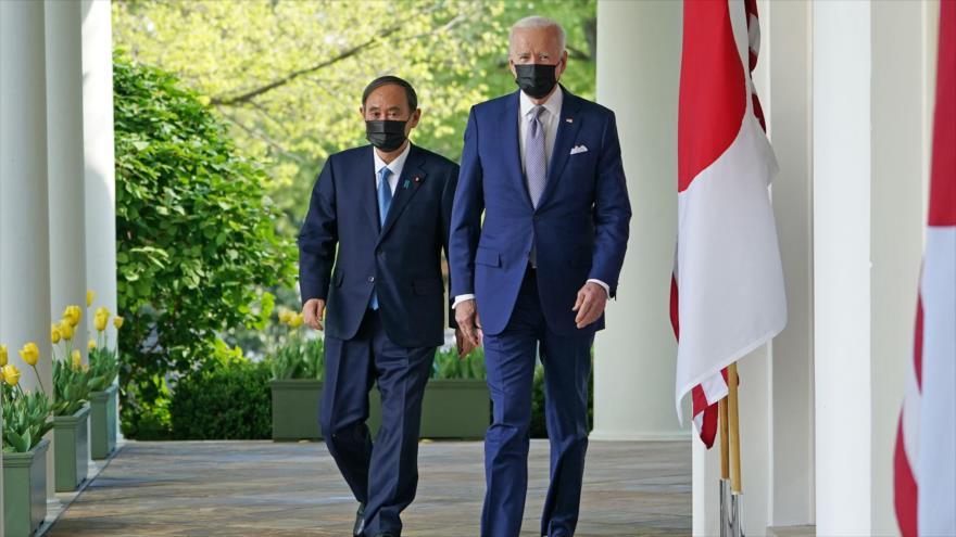 El presidente de EE.UU., Joe Biden, y el primer ministro de Japón, Yoshihide Suga, Casa Blanca, 16 de abril de 2021. (Foto: AFP)