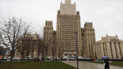 """Rusia ve la """"huella"""" de EEUU en las medidas """"hostiles"""" de Praga"""