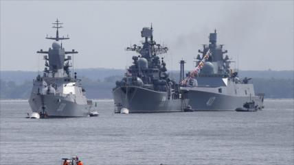 Informe: Buques de guerra rusos llegarán al mar Negro en dos días