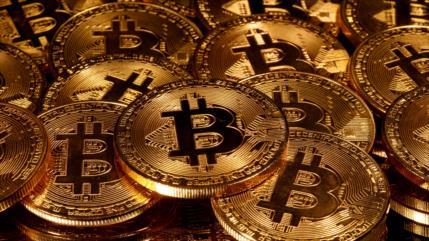 Bitcóin se desploma 14 %; alcanza los 51 541 dólares por unidad