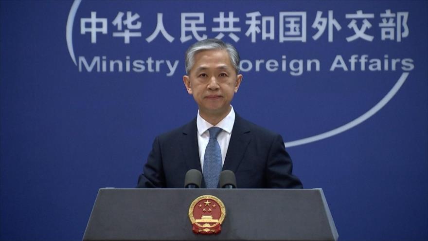 El portavoz del Ministerio chino de Asuntos Exteriores, Wang Wenbin, en una rueda de prensa en Pekín (capital), 19 de abril de 2021.