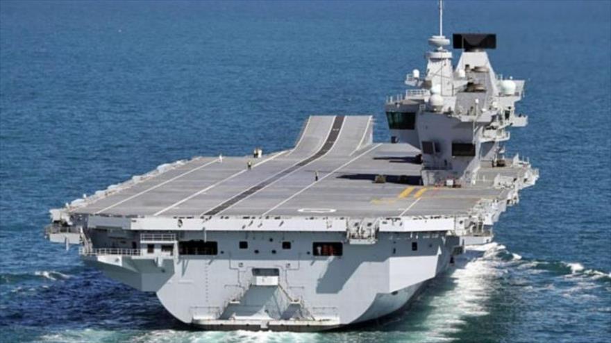 El portaviones HMS Queen Elizabeth, de la Armada británica, durante una misión. (Foto: Daily News)