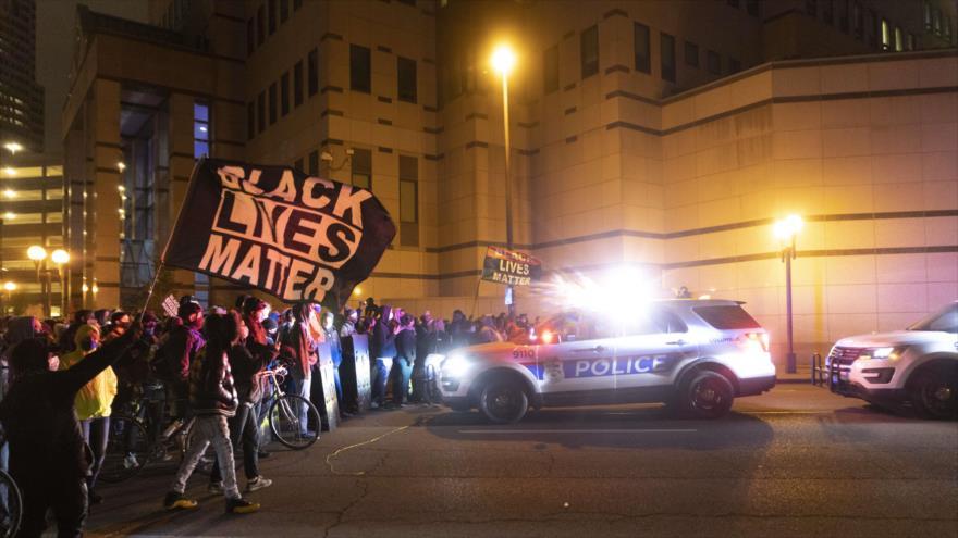 Video: Un agente de policía de EEUU mata a una joven negra en Ohio