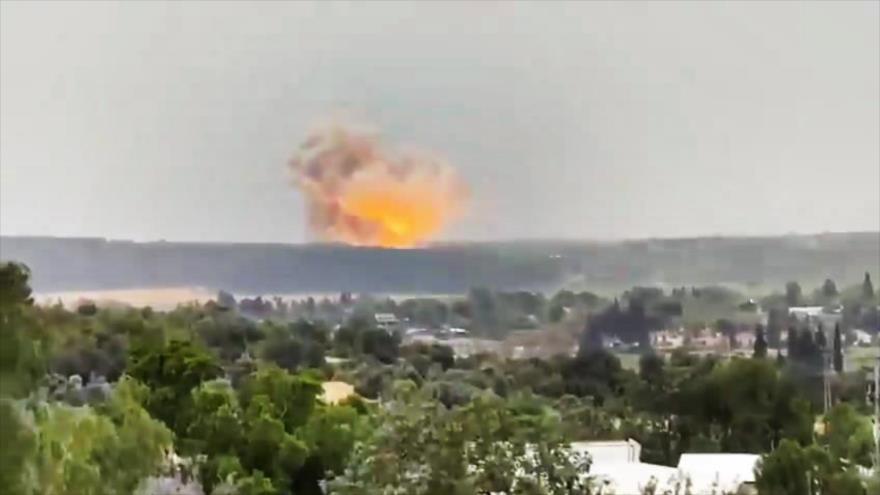 """Potente explosión sacude una """"sensible"""" fábrica israelí de misiles"""