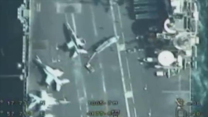Vean cómo drones iraníes capturan detalles de un portaviones de EEUU