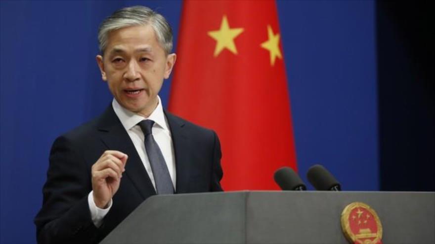 El portavoz del Ministerio de Asuntos Exteriores de China, Wang Wenbin, en una rueda de prensa en Pekín (capital).