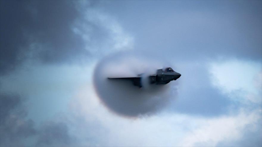 Un F-35 estadounidense en pleno vuelo, Florida, EE.UU., 22 de noviembre de 2020. (Foto: Reuters)