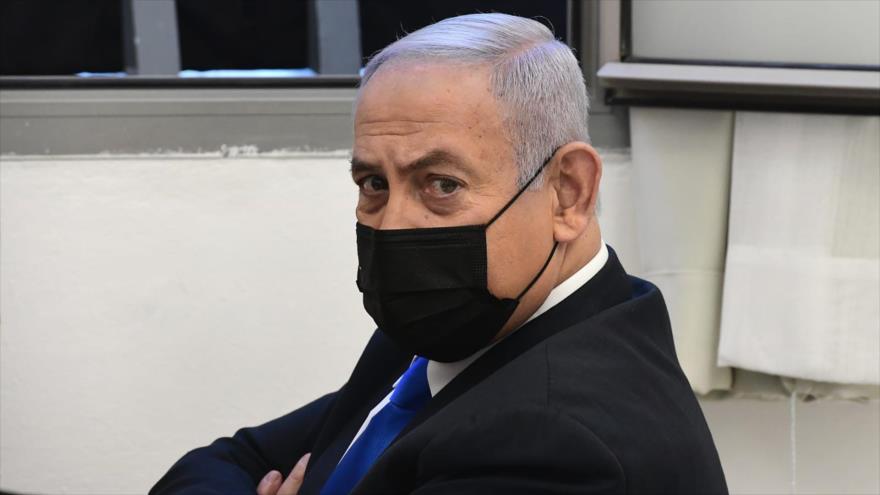 El premier israelí, Benjamín Netanyahu, en una corte en Al-Quds (Jerusalén), 8 de febrero de 2021. (Foto: AP)