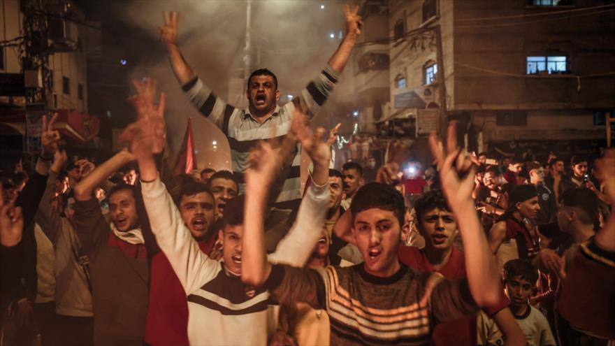 Palestinos protestan en defensa de la Mezquita Al-Quds en la Franja de Gaza, 24 de abril de 2021. (Foto: AFP)