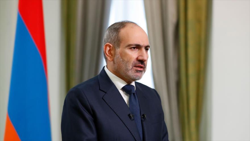 El primer ministro armenio, Nikol Pashinián, ofrece un discurso en Ereván, capital de Armenia, 12 de noviembre de 2020. (Foto: AFP)